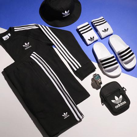 adidas - Short Jogging Bandes Brodées 3 Stripes DH5798 Noir Blanc
