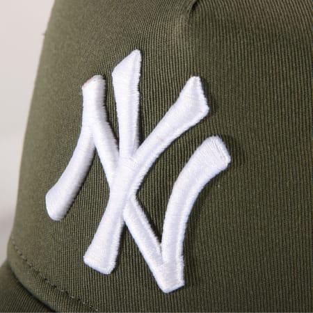 New Era - Casquette Trucker Femme League Essential MLB New York Yankees Vert Kaki Noir