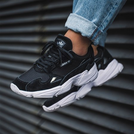 adidas baskets falcon