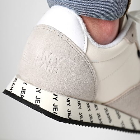 Tommy Hilfiger Jeans - Baskets City Sneacker EM0EM00189 White