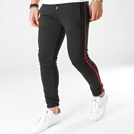 LBO - Pantalon A Carreaux Jogger Avec Bandes Noir et Rouge 588 Gris Anthracite