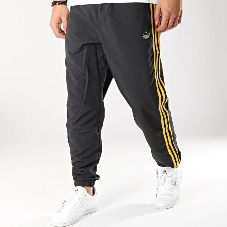 adidas Pantalon Jogging Bandes Brodées 3 Stripes DV3142