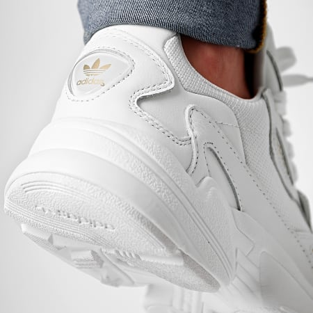 adidas - Baskets Falcon EE8838 Footwear White Gold Metallic