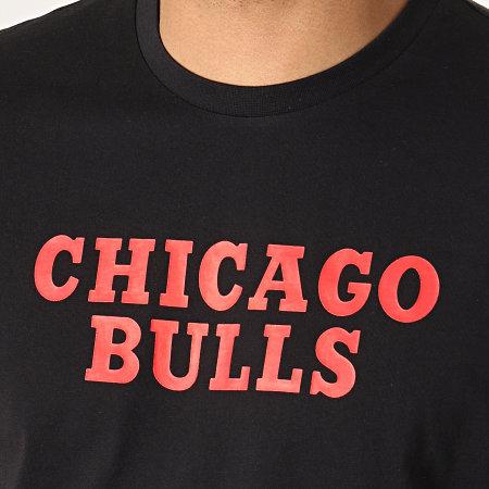 New Era - Tee Shirt NBA Colour Block Chicago Bulls Noir Rouge Blanc