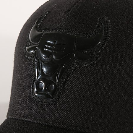 Mitchell And Ness - Casquette Trucker Chicago Bulls Zig Zag Noir