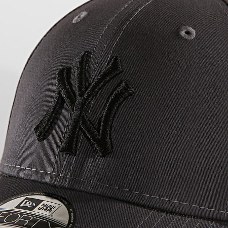 New Era - Casquette Baseball 9Forty League Essential 94 New York Yankees 12062850 Gris Noir