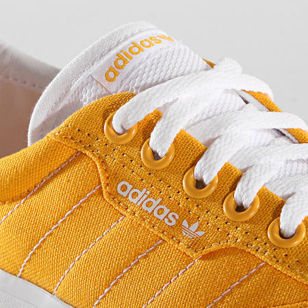 adidas - Baskets 3MC EE6088 Active Gold Cloud White