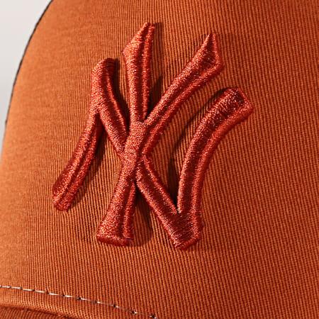 New Era - Casquette Trucker League Essential New York Yankees 12040412 Camel Noir