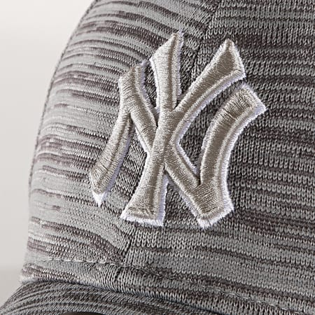 New Era - Casquette 9Forty Engineered Fit 12040525 New York Yankees Gris Chiné