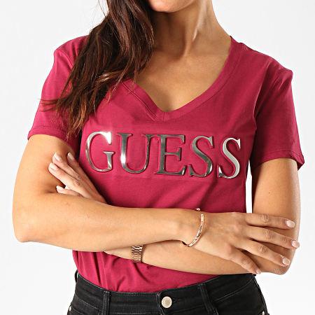 Guess - Tee Shirt Femme Col V M94I62-K7DN0 Bordeaux Argenté