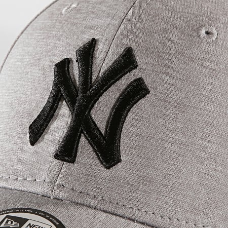 New Era - Casquette 9Forty Shadow Tech 12040226 New York Yankees Gris Chiné