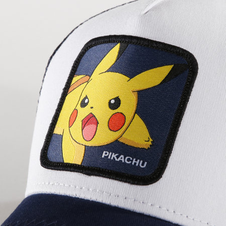Pokémon - Casquette Trucker Pikachu Bleu Marine Blanc