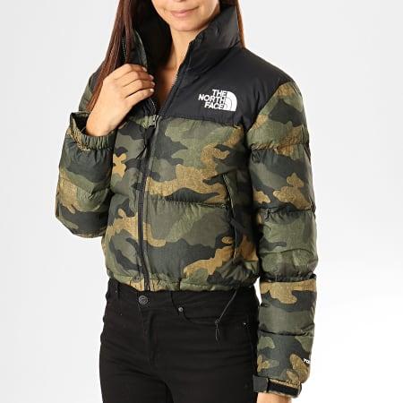 The North Face - Doudoune Femme Crop Camouflage Nuptse 3XE2 Vert Kaki Noir