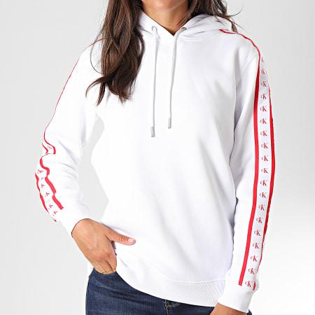 Calvin Klein Jeans - Sweat Capuche Femme A Bandes Monogram Tape 2228 Blanc