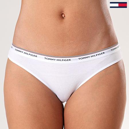 Tommy Hilfiger - Lot De 3 Strings Femme 0043 Bleu Marine Blanc Rouge