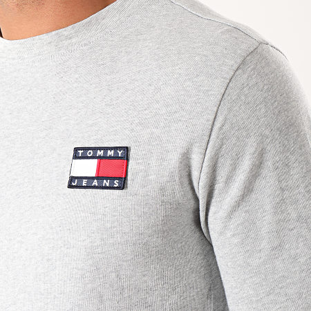 Tommy Hilfiger Jeans - Tee Shirt Manches Longues Badge 6958 Gris Chiné