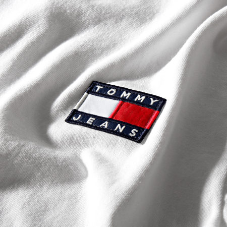 Tommy Jeans - Tee Shirt Manches Longues Badge 6958 Blanc