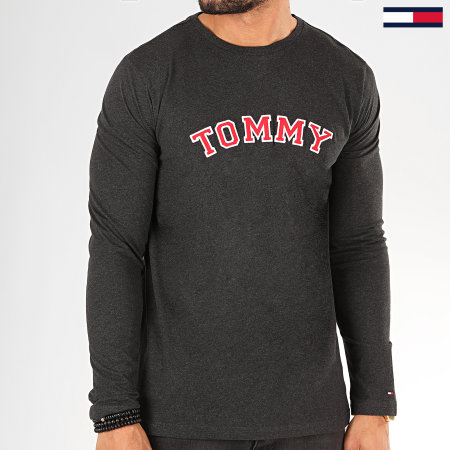 Tommy Hilfiger Jeans - Tee Shirt Manches Longues CN Logo 1628 Gris Anthracite Chiné Rouge