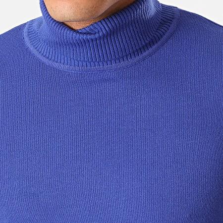 pull col roulé bleu roi