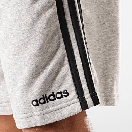 adidas - Short Jogging A Bandes Essentials French Terry DU7831 Gris Chiné