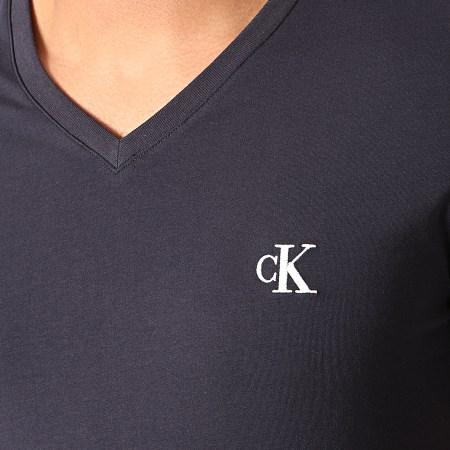 Calvin Klein - Tee Shirt Col V Essential 4998 Bleu Marine