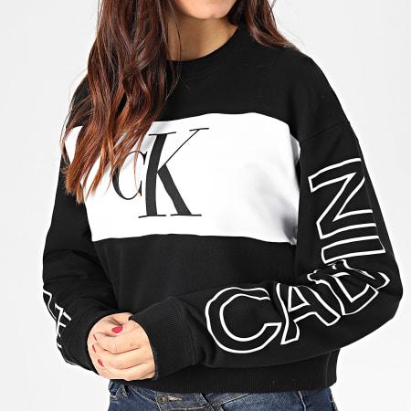 Calvin Klein Jeans - Sweat Crewneck Crop Femme Blocking Statement Logo 2980 Noir Blanc