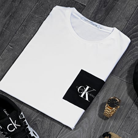 Calvin Klein Jeans - Tee Shirt Poche Monogram Pocket Slim 4070 Blanc