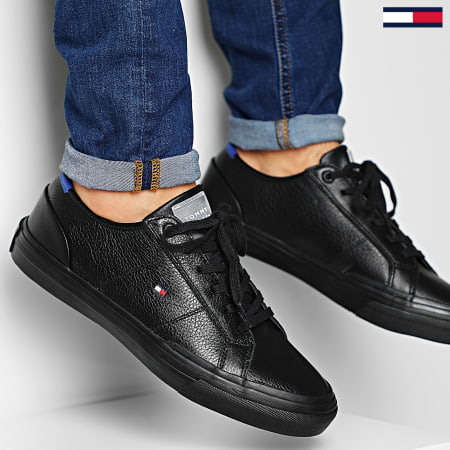 Tommy Hilfiger - Baskets Core Corporate Flag Sneaker 2593 Black