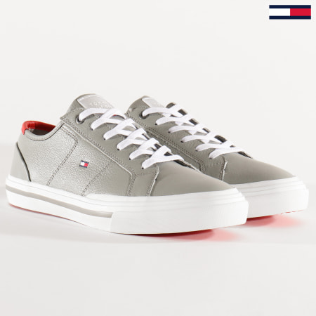 Tommy Hilfiger - Baskets Core Corporate Flag Sneaker 2593 Antique Sivler