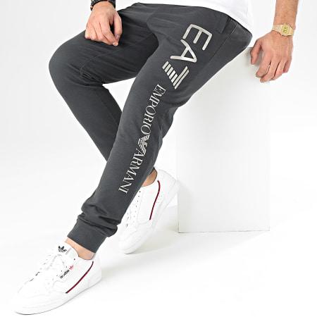 EA7 - Pantalon Jogging 8NPPC3-PJ05Z Noir Délavé Argenté