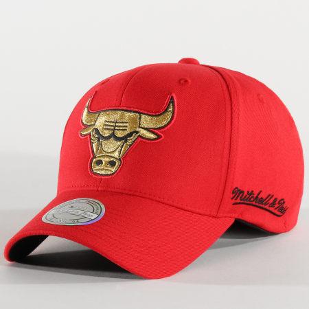 Mitchell and Ness - Casquette Baseball NBA International 464 Chicago Bulls Rouge Doré