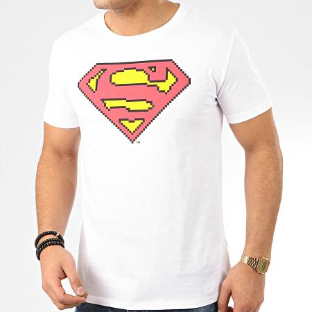 Superman - Tee Shirt Low Resolution Blanc