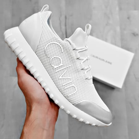 Calvin Klein - Baskets Ron Low Top Lace Up S0506 White Silver