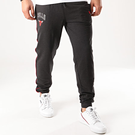 New Era - Pantalon Jogging NBA Chicago Bulls Piping 12195375 Gris Anthracite Chiné