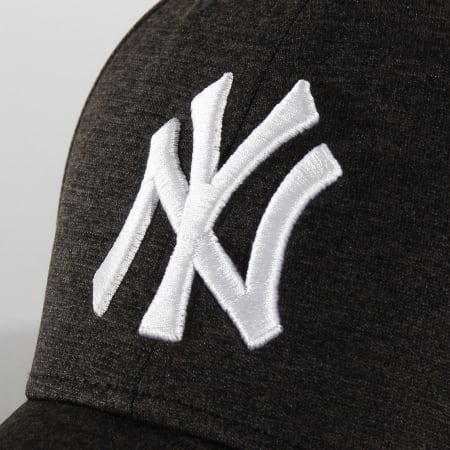 New Era - Casquette 9Forty Shadow Tech 12285275 New York Yankees Gris Anthracite Chiné