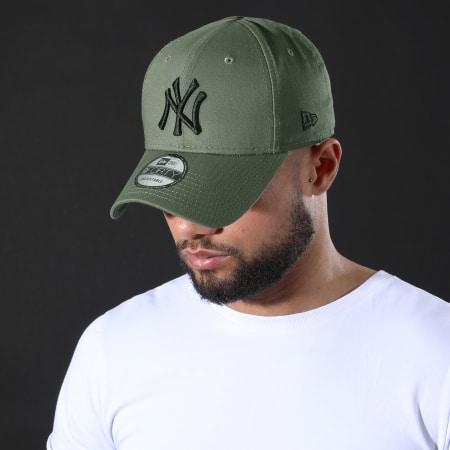 New Era - Casquette 9Forty League Essential 12285484 New York Yankees Vert Kaki