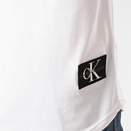 Calvin Klein Jeans - Tee Shirt Oversize Badge Turn Up 5319 Blanc