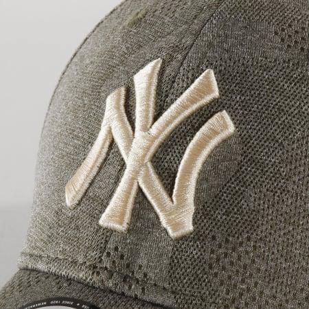New Era - Casquette 9Forty Engineered Plus 12287057 New York Yankees Vert Kaki