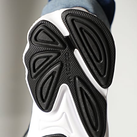 adidas - Baskets Ozweego EE7002 Core Black Green Onix