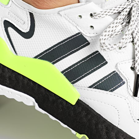 adidas - Baskets Nite Jogger EG6749 Cloud White Core Black Signal Green