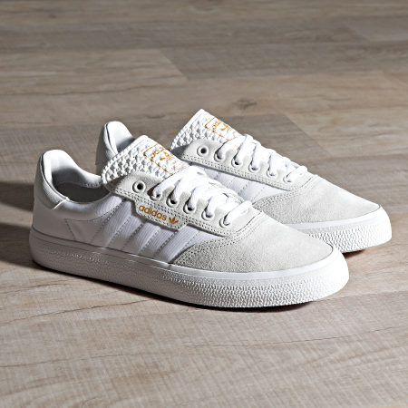 adidas - Baskets 3MC EG2763 Crystal White Cloud White Gold Metallic