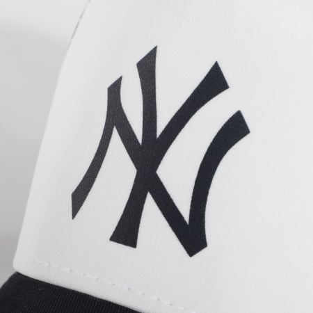 New Era - Casquette Trucker New York Yankees Team Colour Block 12380796 Blanc Noir