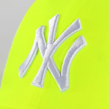 New Era - Casquette 9Forty New York Yankees 12381035 Jaune Fluo