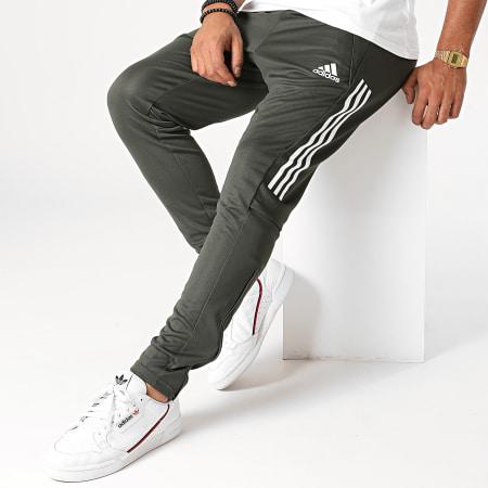 adidas - Pantalon Jogging A Bandes Manchester United FC FR3667 Vert Kaki