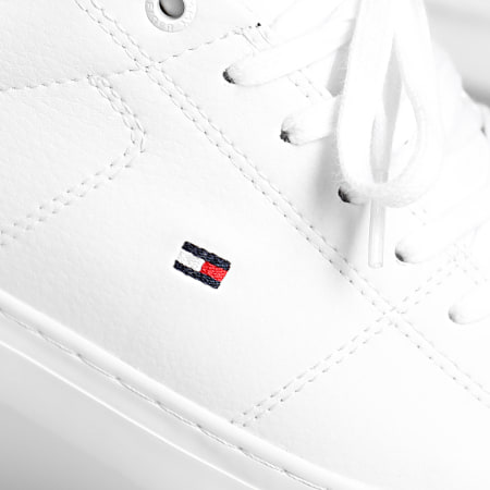 Tommy Hilfiger - Baskets Essential Leather Detail Vulc 2977 Blanc