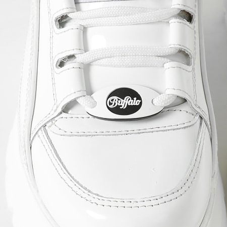 Buffalo - Baskets Femme Classic Low 1339-14 Patent Leather White