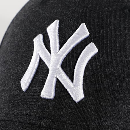 New Era - Casquette 9Forty Jersey Essential 12490480 New York Yankees Gris Anthracite