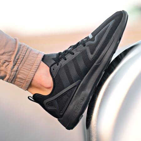 adidas - Baskets ZX 2K Flux FV9973 Core Black Shock Pink