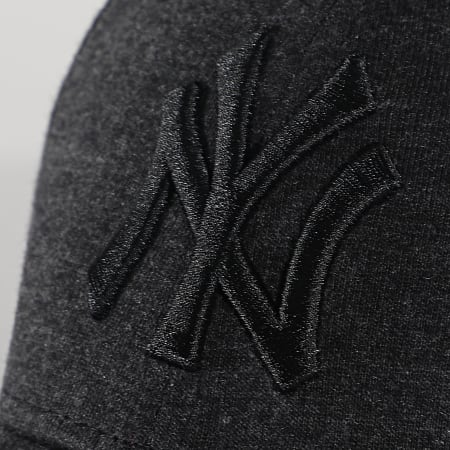 New Era - Casquette 9Forty Winterized 60081248 New York Yankees Gris Anthracite