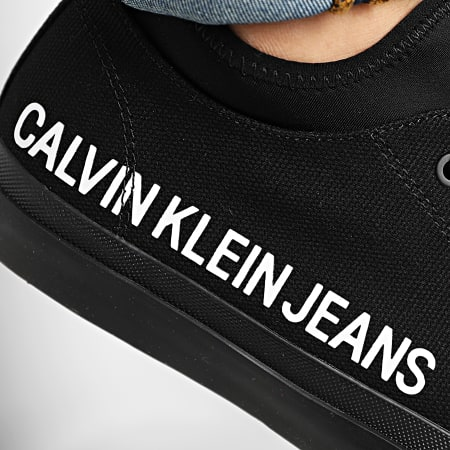 Calvin Klein - Baskets Icarus Low Top Lace Up B4S0114 White